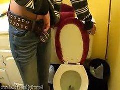 Sneaky Camera Taping Many Girls Peeing