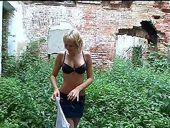 Outdoor Orgasm With The Busty Blonde..