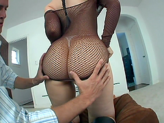 Voluptuous Slut Caroline Pierce Having..