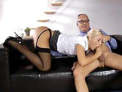 Blonde Vander bang with an old dick