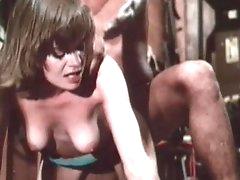 Retro babe in hot hardcore porn