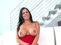 Big titty brunette gets her cameltoe..