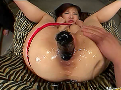 Teen Japanese Model Gets Her Pussy Oiled to Party