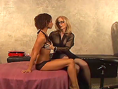 Izabella Star and Nina Hartley fuck..