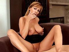 MILF Babe Nicole Moore Loves Finger..