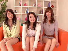 Foot fetish with three sexy Japanese..