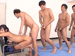 Nana Ogura feels happy to get her cunt..
