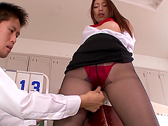 Natsume Inagaw gets her pussy fingered..