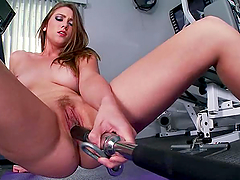 Horny Shae Snow doesn't go to gym to..