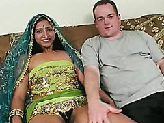 Indian Babe Ashawnas Gets Gangbanged..