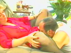 Retro porn video with a gorgeous..