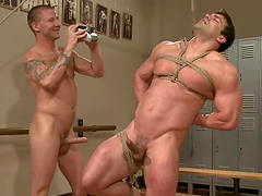 Muscled Vince Ferelli gets ass fucked..