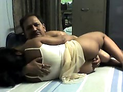 Amateur wife enjoying homemade sex