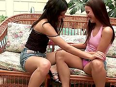 Two brunette lesbians fucking each..