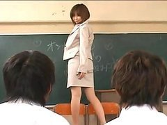 Rio Hamasaki takes her pantyhose off..