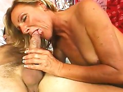 Mature lady enjoying rough anal