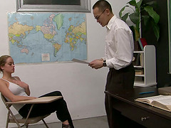 Nicole Heiress gives a blowjob to her..