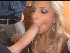 Threesome sex for the slutty blonde hottie Samantha Jolie