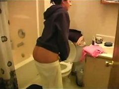 Gorgeous Teen Raven Riley Gives An..