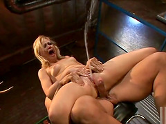Pretty Sindee Jennings rides big dick and squirts
