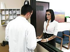 Kinky Doctors Presley Maddox Fucked By..
