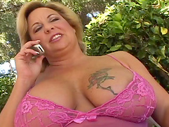 Big titty mature gets her gash fucked..