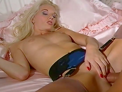 Sammy Jayne enjoys sex in missionary..