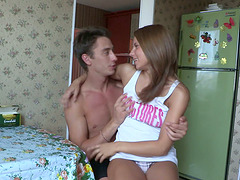 Cute Amateur Teen Gets Her Shaved..