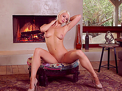 Charming Chloe Crawford poses naked in..