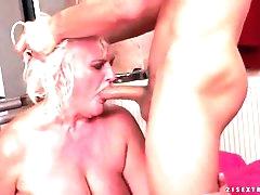 Granny cunt takes creampie cumshot in..