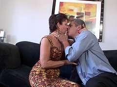 Hot sex with the sexy mature Vanessa..