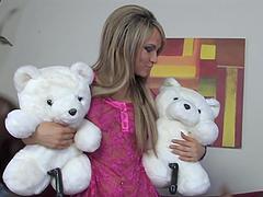Stunning blonde teen having wild..