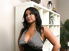 MILF Pornstar Sophia Lomeli Getting..
