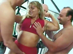 Amateur muscle Milf homemade anal..
