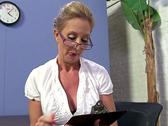 Busty blonde mom Jenna Covelli gets..