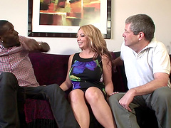 Bisexual threesome with Kiki Daire