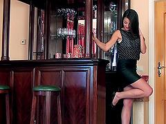 Leggy Lorena G fingers her hot pussy..