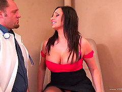 Curvaceous Vannah Sterling gets banged..