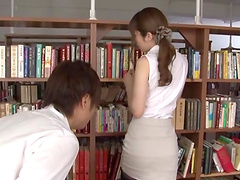 Japanese slut gets her pussy fucked in..