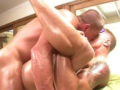 Hung muscular guy fucks his bottom