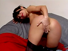 Brunette milf Ines shows her nice butt..