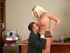 Tasty Britney Amber Goes Extremely..