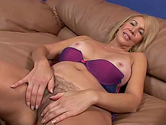 Erica Lauren the sexy MILF gets her..
