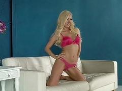 Pink bra and panties on Aaliyah Love