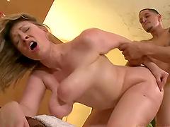 Vicky Vixen gets her pussy amazingly..