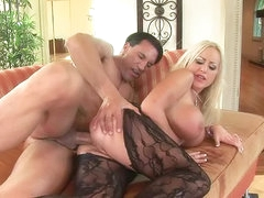 Horny blonde babe gets fucked in sexy..