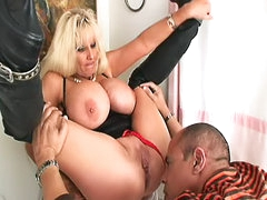 Worshiping milf pussy and ass arouses..