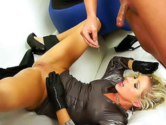 Blonde in gloves fuck and pissing