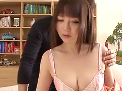 Gorgeous asian babe gets her shaved..