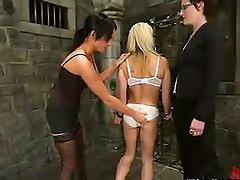 Melissa Lauren domiantes a blonde babe..